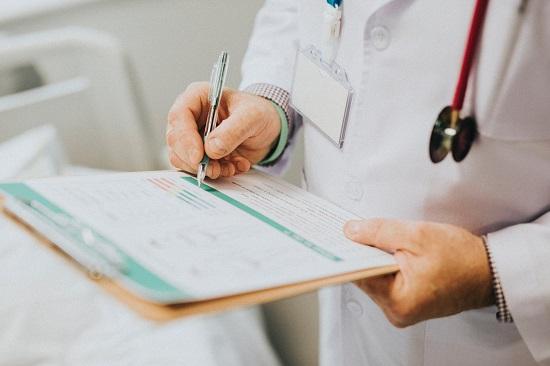 Diabetes type 2 behandeling met medicijnen, beweging en voeding.